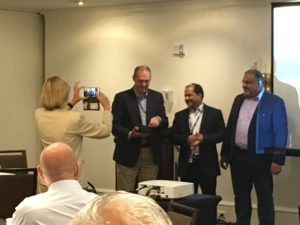 Suhas presents the innovation award for 2016